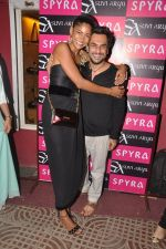 Aki Narula at Suvi - Arya & Spyra_s Collection Launch in khar, Mumbai on 7th Sept 2013 (3).JPG