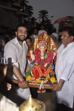 Raj Kundra at Shilpa Shetty_s Ganesha Visarjan in Mumbai on 10th Sept 2013(180).JPG