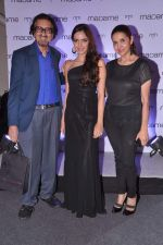 Shazahn Padamsee, Alyque Padamsee, Sharon Prabhakar at Fashion Show of Label Madame at Hotel Lalit in Mumbai on 12th Sept 2013 (200).JPG