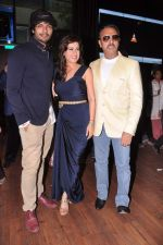 Gulshan Grover, Amrita Raichand, Ali Fazal at Baat Bann Gayi music launch in Hard Rock, Mumbai on 19th Sept 2013 (26).JPG