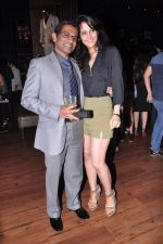 Tulip Joshi, Vinod Nair at Lucky Morani_s bday bash in Hard Rock, Mumbai on 19th Sept 2013 (21).JPG