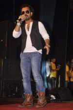 Toshi Sabri at Warning film promotions in Lala college, Mumbai on 21st Sept 2013 (6).JPG