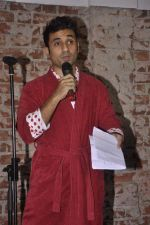 Vir Das at India_s largest comedy festival launch in Blue Frog, Mumbai on 22nd Sept 2013 (26).jpg