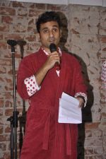 Vir Das at India_s largest comedy festival launch in Blue Frog, Mumbai on 22nd Sept 2013 (27).jpg