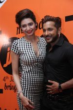 Karishma Tanna, Terence Lewis at The closing ceremony of the 4th Jagran Film Festival in Mumbai on 29th Sept 2013.JPG