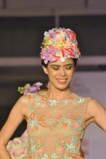 Model on the ramp for Chimera fashion show for students in Mumbai on 30th Sept 2013 (36).JPG