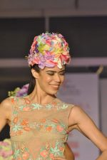Model on the ramp for Chimera fashion show for students in Mumbai on 30th Sept 2013 (37).JPG