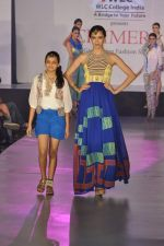Model on the ramp for Chimera fashion show for students in Mumbai on 30th Sept 2013 (57).JPG