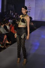 Model on the ramp for Chimera fashion show for students in Mumbai on 30th Sept 2013 (81).JPG