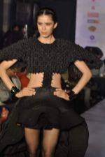 Model on the ramp for Chimera fashion show for students in Mumbai on 30th Sept 2013 (93).JPG