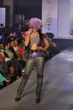 Model on the ramp for Chimera fashion show for students in Mumbai on 30th Sept 2013 (99).JPG