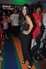 Shibani Kashyap at Binge sessions in association with Leena Mogre in Leena Mogre_s gym in Bandra on 3rd Oct 2013 (9).JPG