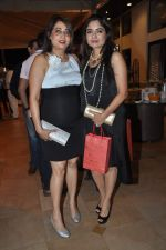 at Poonam Dhillon_s sister Rishma Pai_s birthday in Blue Sea, Mumbai on 2nd Oct 2013 (68).JPG