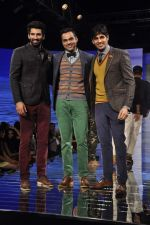 Abhay Deol, Siddharth Malhotra, Aditya Roy Kapur at Blackberry night in Mumbai on 4th Oct 2013 (184).JPG