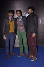 Abhay Deol, Siddharth Malhotra, Aditya Roy Kapur at Blackberry night in Mumbai on 4th Oct 2013 (190).JPG