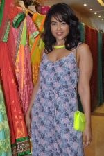 Sameera Reddy at Neeta Lulla_s Bridal collection in Mumbai on 5th Oct 2013 (170).JPG