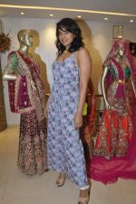 Sameera Reddy at Neeta Lulla_s Bridal collection in Mumbai on 5th Oct 2013 (181).JPG