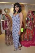 Sameera Reddy at Neeta Lulla_s Bridal collection in Mumbai on 5th Oct 2013 (184).JPG