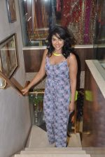 Sameera Reddy at Neeta Lulla_s Bridal collection in Mumbai on 5th Oct 2013 (187).JPG