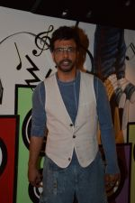 Javed Jaffrey promote War Chhod Na Yaar on the sets of Channel V D3 Sets in Mumbai on 6th Oct 2013 (19).JPG