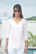 Mugdha Godse at a real estate project launch in Khapoli, Mumbai on 6th Oct 2013 (28).JPG