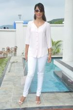Mugdha Godse at a real estate project launch in Khapoli, Mumbai on 6th Oct 2013 (36).JPG