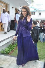 Neha Dhupia at a real estate project launch in Khapoli, Mumbai on 6th Oct 2013 (73).JPG