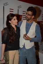 Soha Ali Khan, Javed Jaffrey promote War Chhod Na Yaar on the sets of Channel V D3 Sets in Mumbai on 6th Oct 2013 (24).JPG