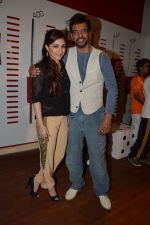 Soha Ali Khan, Javed Jaffrey promote War Chhod Na Yaar on the sets of Channel V D3 Sets in Mumbai on 6th Oct 2013 (26).JPG