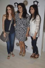 Suzanne Roshan visits House of Tales to launch her new collection in Kala Ghoda, Mumbai on 6th Oct 2013 (16).JPG