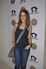 Suzanne Roshan visits House of Tales to launch her new collection in Kala Ghoda, Mumbai on 6th Oct 2013 (31).JPG