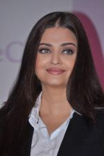 Aishwarya Rai Bachchan launches Life Cell in Mumbai on 7th Oct 2013 (41).JPG