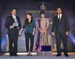 Chitrangada Singh, Soha Ali Khan launch India Realty Yearbook & Real Leaders at The premier Indian Realty Awards 2013 in New Delhi on 8th Oct 2013 (27).JPG