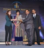 Chitrangada Singh, Soha Ali Khan launch India Realty Yearbook & Real Leaders at The premier Indian Realty Awards 2013 in New Delhi on 8th Oct 2013 (28).JPG