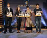 Chitrangada Singh, Soha Ali Khan, Vijender Singh launch India Realty Yearbook & Real Leaders at The premier Indian Realty Awards 2013 in New Delhi on 8th Oct 2013 (7).JPG