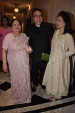 Kokilaben Ambani at Abu Jani_s The Golden Peacock show for Sahachari Foundation in Mumbai on 7th Oct 2013 (144).JPG