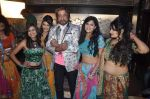Shakti Kapoor on the sets of Mumbai can_t dance saala in Santacruz, Mumbai on 7th Oct 2013 (12).JPG