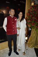 Shobha De at Abu Jani_s The Golden Peacock show for Sahachari Foundation in Mumbai on 7th Oct 2013 (170).JPG