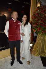 Shobha De at Abu Jani_s The Golden Peacock show for Sahachari Foundation in Mumbai on 7th Oct 2013 (171).JPG