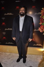at Abu Jani_s The Golden Peacock show for Sahachari Foundation in Mumbai on 7th Oct 2013 (118).JPG