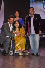 Hrithik Roshan at Dr Batra_s Positive awards in NCPA, Mumbai on 8th Oct 2013 (114).JPG
