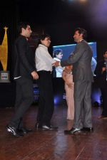 Hrithik Roshan at Dr Batra_s Positive awards in NCPA, Mumbai on 8th Oct 2013 (126).JPG