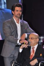 Hrithik Roshan at Dr Batra_s Positive awards in NCPA, Mumbai on 8th Oct 2013 (140).JPG