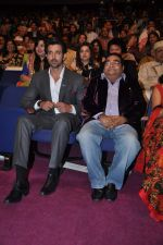 Hrithik Roshan at Dr Batra_s Positive awards in NCPA, Mumbai on 8th Oct 2013 (71).JPG