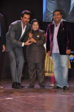 Hrithik Roshan at Dr Batra_s Positive awards in NCPA, Mumbai on 8th Oct 2013 (92).JPG