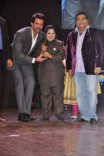 Hrithik Roshan at Dr Batra_s Positive awards in NCPA, Mumbai on 8th Oct 2013 (93).JPG