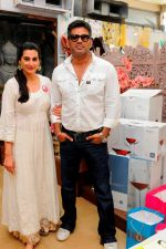 Mana & Suniel Shetty at Araish in Mumbai on 8th Oct 2013 (1).JPG