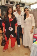 Sunil Shetty, Mana Shetty, Sharmila Khanna at Araish in Mumbai on 8th Oct 2013 (52).JPG