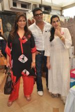 Sunil Shetty, Mana Shetty, Sharmila Khanna at Araish in Mumbai on 8th Oct 2013 (54).JPG