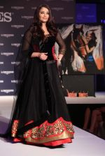 Aishwarya Rai Bachchan at the launch of new collection of Longines Watch in Delhi on 9th Oct 2013 (8).jpg